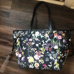 Handbags - NWT  tote in black and flowered pattern!!